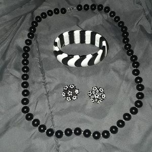 Vintage Black beaded necklace, bracelet and earrin
